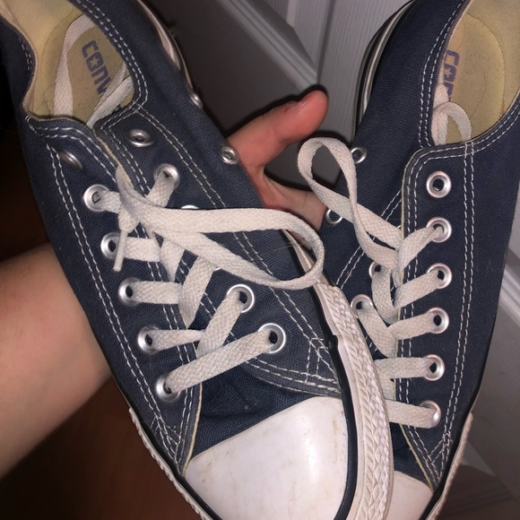 Converse Shoes - Navy blue low top converse (size 8)